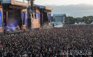 IMG_7749-Crowd_bei_Powerwolf.jpg