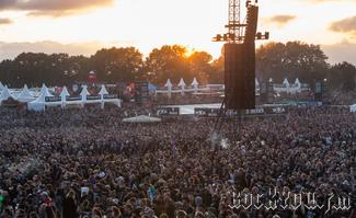 IMG_7752-Crowd_bei_Powerwolf.jpg